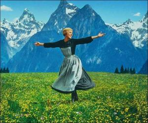 julie-andrrews-in-the-sound-of-music