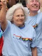 Esta é a verdadeira Mary em uma parada gay.