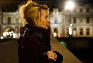 uma-dama-em-paris_01